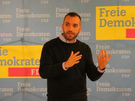 """Konstantin Kuhle bei FDP-Themenabend: """"Müssen Vertrauen in Demokratie wieder stärken"""""""