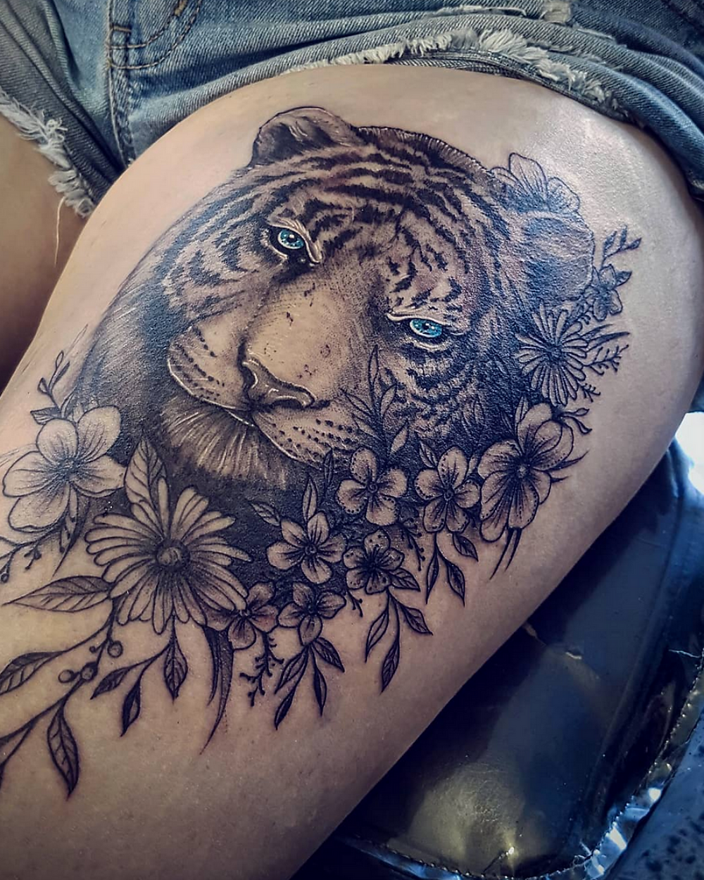 Tiger face tattoo zaine absolute tattoo