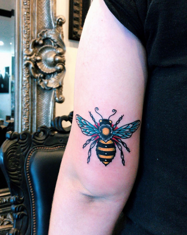 trad bee tattoo