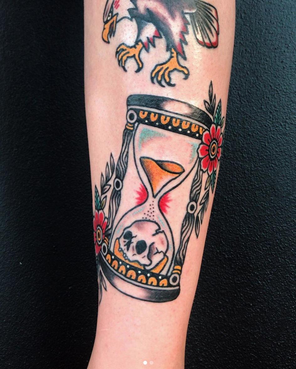 Trad Hour Glass tattoo