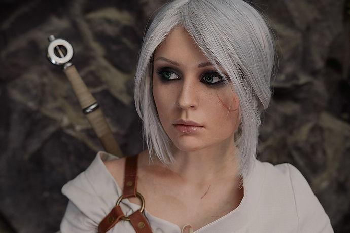1280px-Ciri_Cosplay_(The_Witcher_3_Wild_