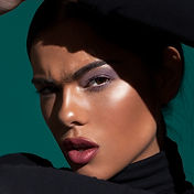 high end makeup fashion model beautiful retouching photoshop