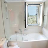 Upper floor bath