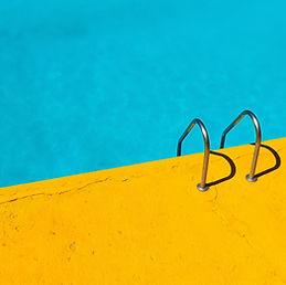 Gelb und Blau Pool