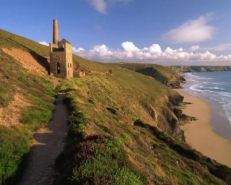 Cornish Coastal Path between St Agnes and Chapel Porth.jpg
