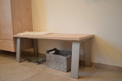 Moderne Sitzbank, Gestelle Alu, HPL