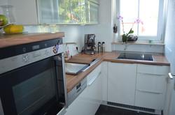 Küchenzeile Weiß hochglanz, Nußbaum