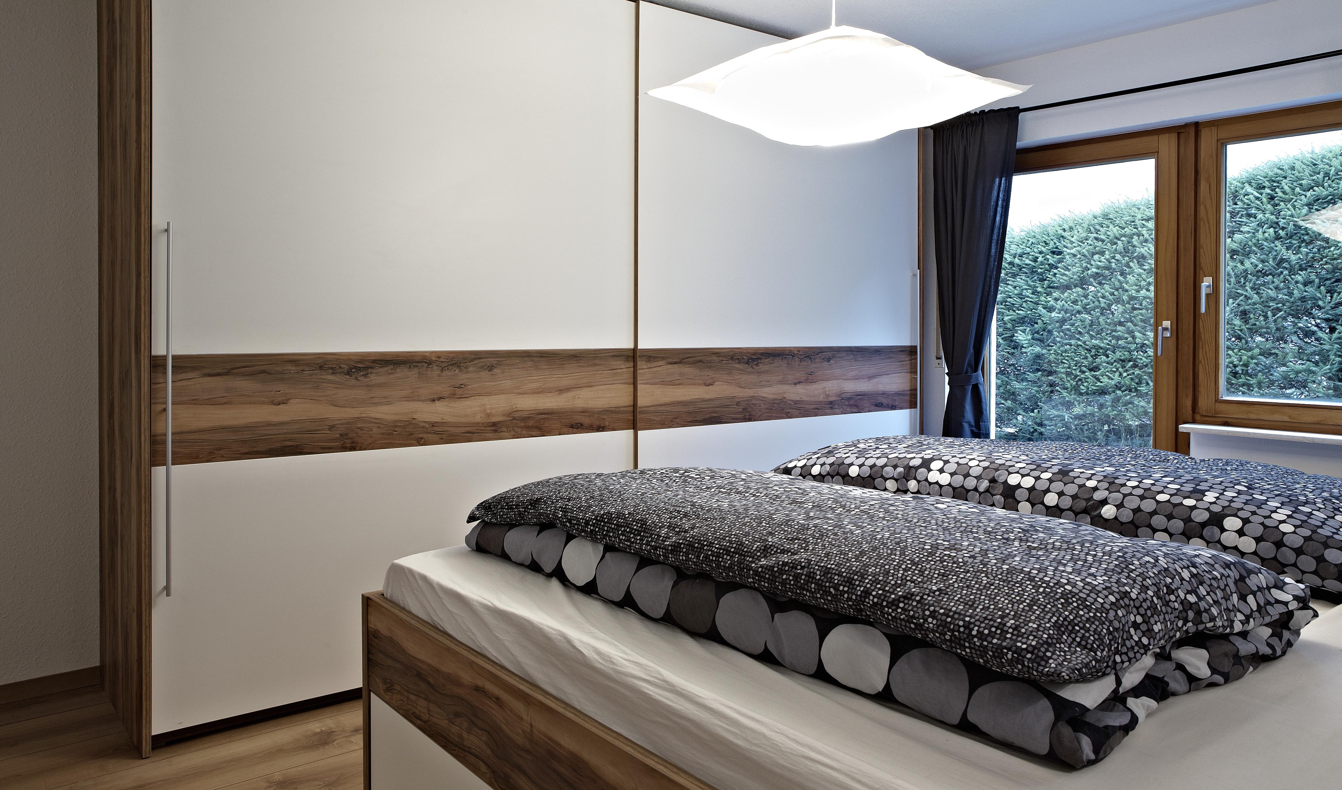 Schlafzimmerschrank, Apfel - Weiß