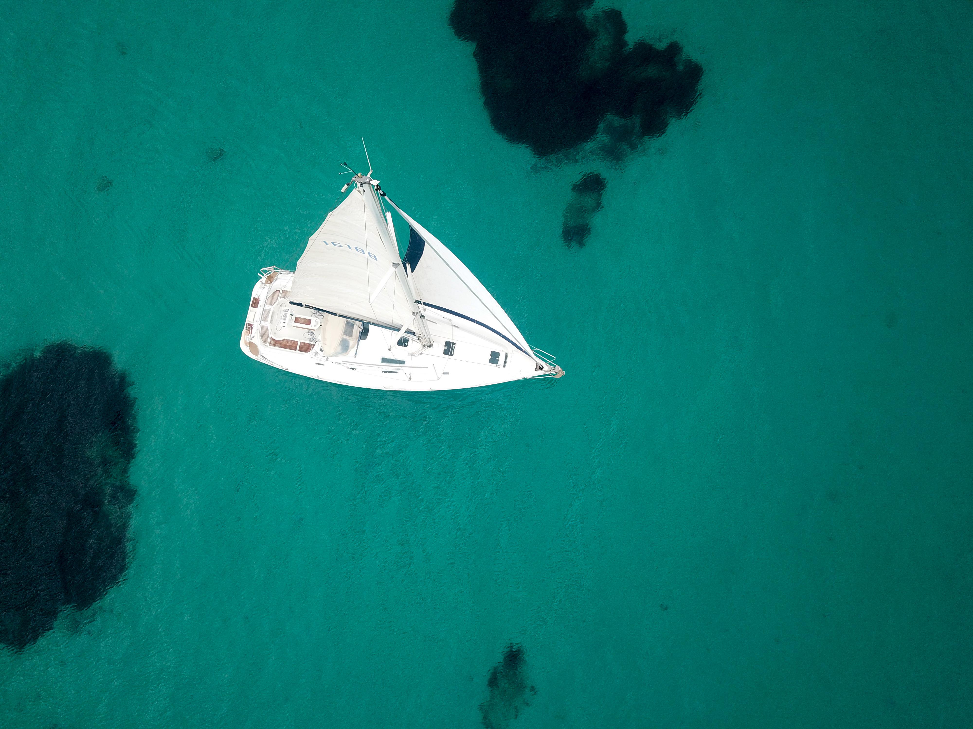 voilier australis vue drône