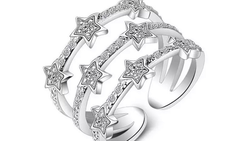 Sara Star Ring