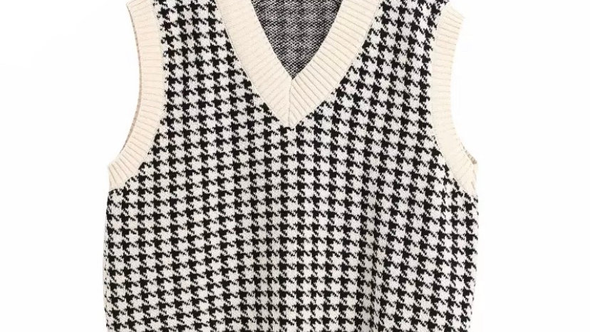Cream Plaid Knit Vest