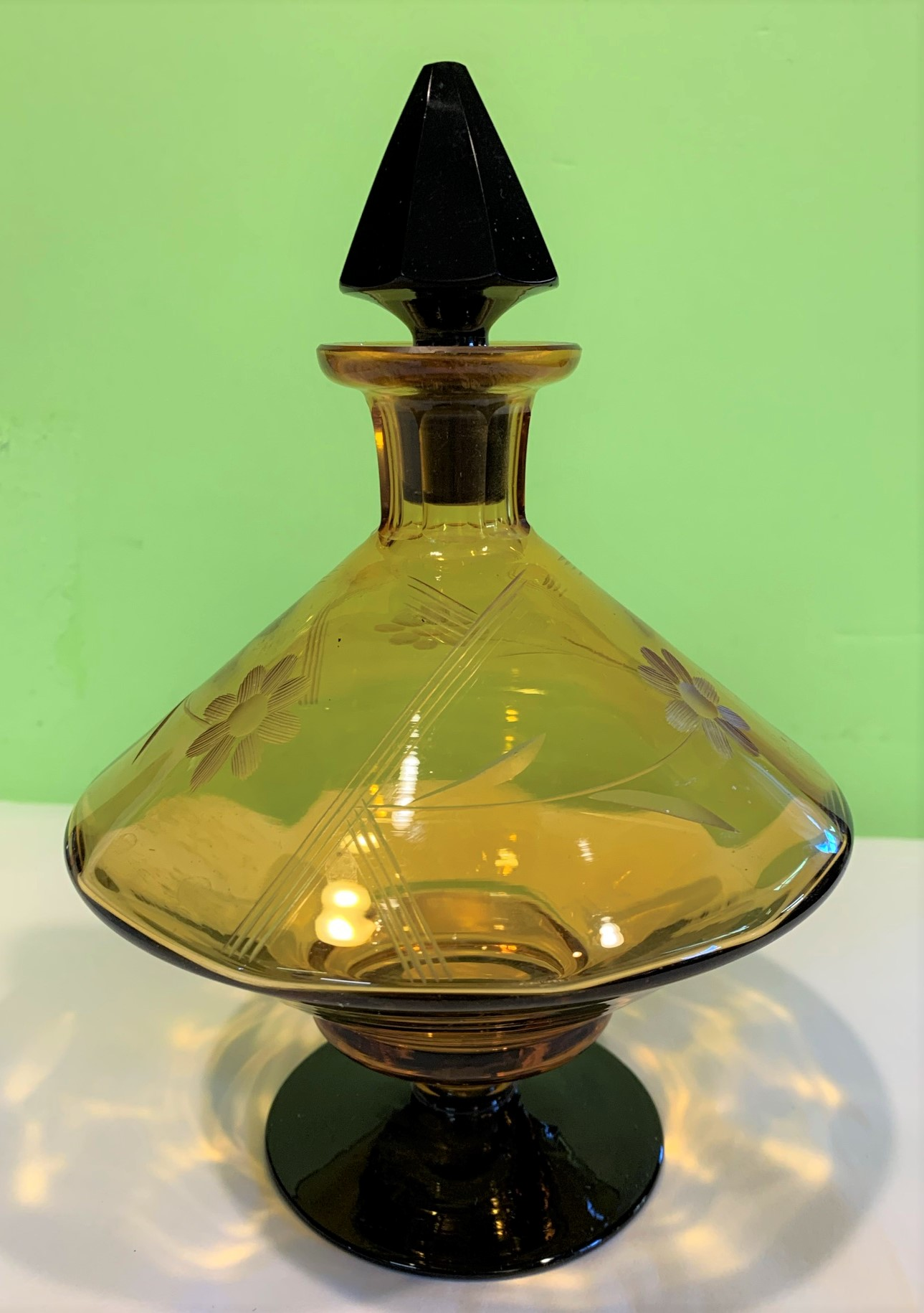 amber perfue bottle