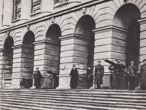 Red Guards and revolutionary soldiers guarding Smolny, Petrograd, October 1917