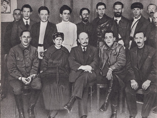 Lenin with press workers, Moscow April 25, 1921