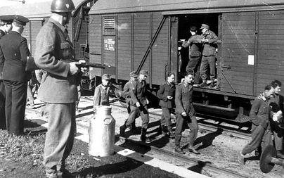 tåg-med-soldater-1024x640.jpg