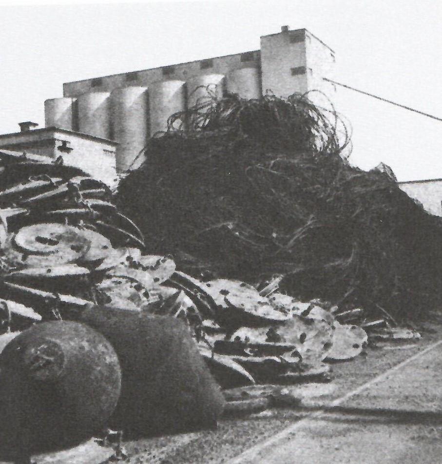 Rester av Öresundsspärren upplagt i Helsingborg.
