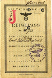 "Socialdemokraternas ""J"" -pass!"
