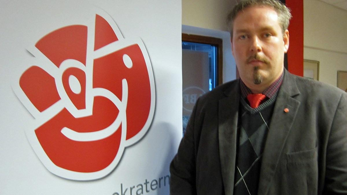 """""""Socialdemokrater kräver att svenska kristna helger ska ersättas av muslimskaoch att skolor skaanpassa loven efter muslimska högtider!"""""""