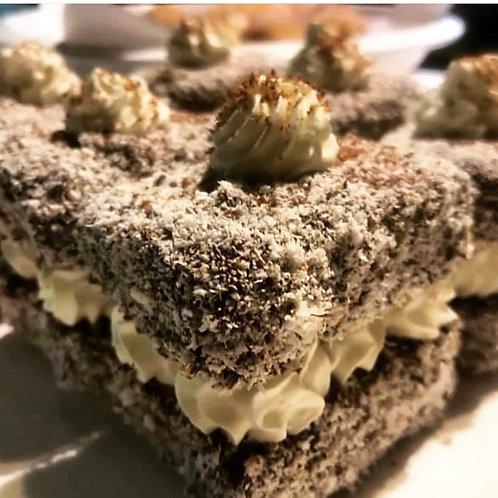 Lamington cake / CONKEY'S