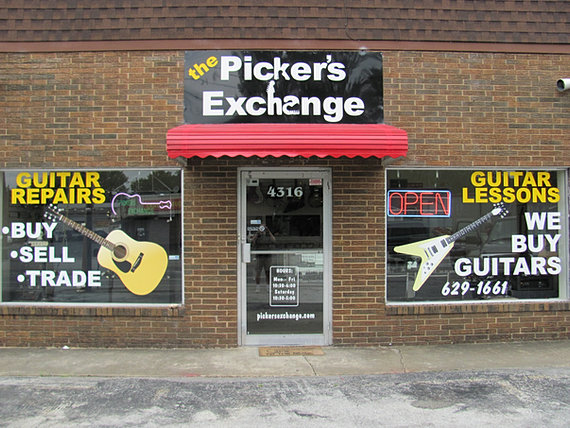 the pickers exchange new and used guitars chattanooga tn. Black Bedroom Furniture Sets. Home Design Ideas