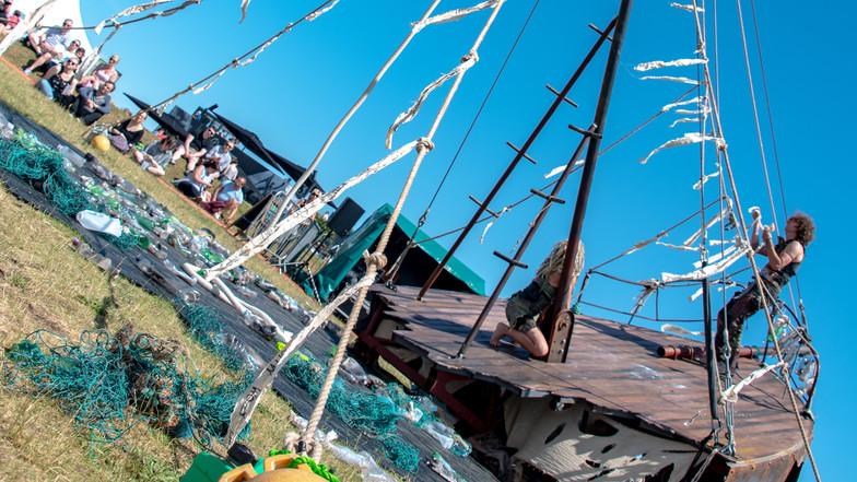 shipwrecks-321.jpg