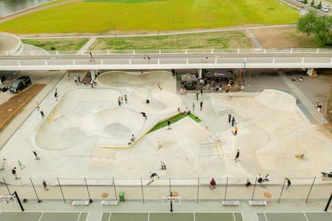 vilnius-white-bridge-concrete-skatepark-
