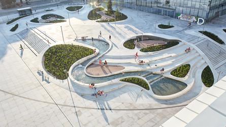 kaunas-urban-concrete-plaza-by-mindworkr