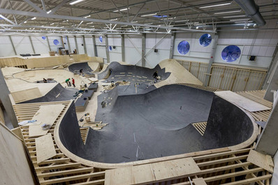 indoor-skatepark-bowl-construction.jpg