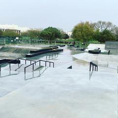 la-rochelle-concrete-skatepark-by-mindwo
