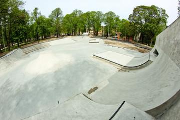 miera-darzs-concrete-skatepark-by-mindwo