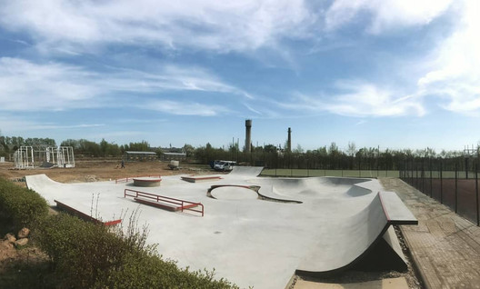 velzai-concrete-skatepark-by-mindworkram