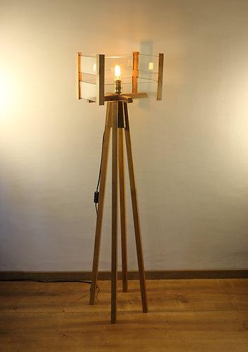 Lampe design en chêne et lamelles de verre, hauteur 135 cm