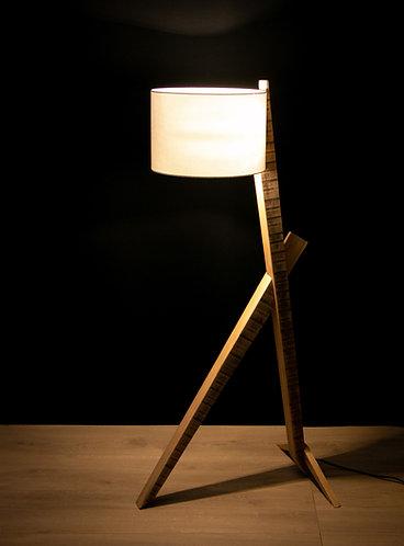Lampe en bois de chêne massif