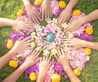 womencircleflowers.jpg