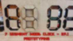 MINIATURA 7 SEG WOOD CLOCK.jpg