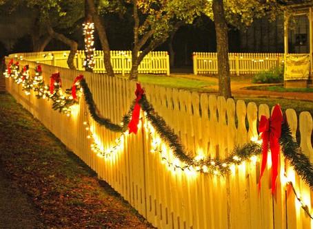 Holiday Fence Decor