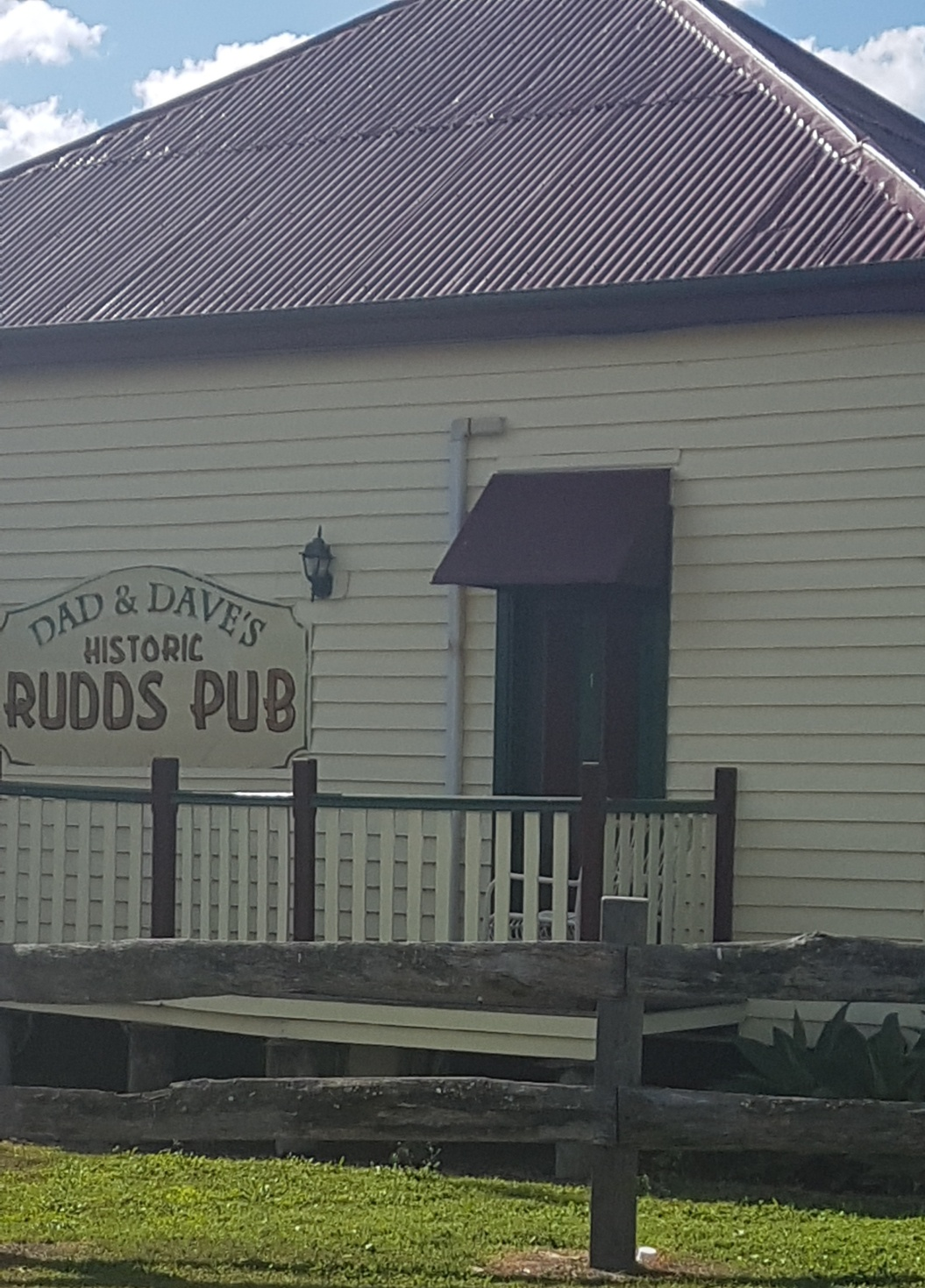 Redcliffe-National-Seniors-Outside Rudds