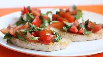 tapas-tomate-y-albahaca-485x270.png