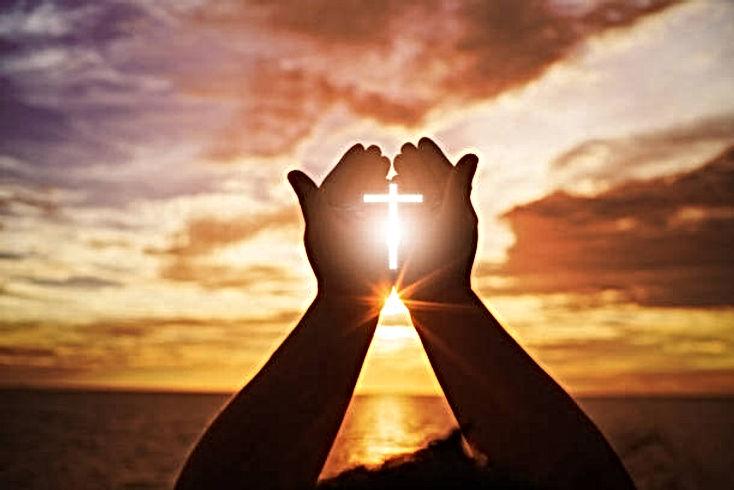 Fastenzeit Hände Kreuz.jpg