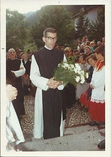 P. Johannes - Primiz Empfang Kirche.jpg