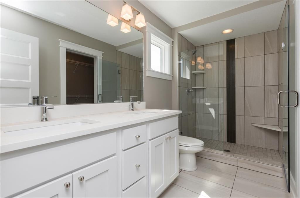 Buckeye Master Bathroom