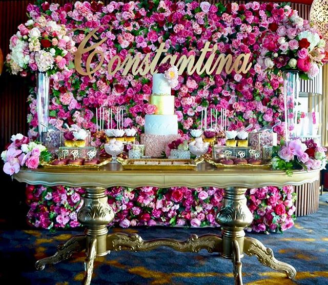 That one time when we were 89 levels up!_Gold Ornate Table by _willowtreeevents _Cupcakes by _pastel
