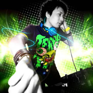 DJ SHMAMURA.jpg