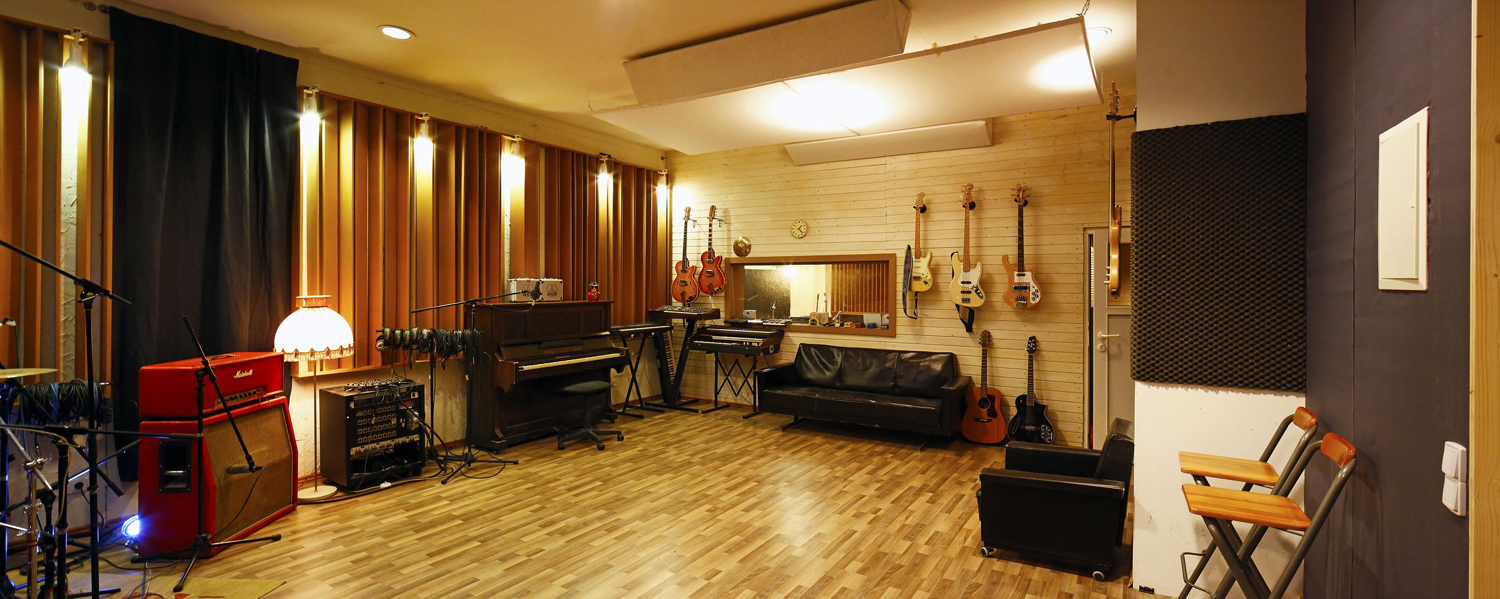 Studio 1 A.jpg