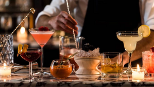 What Is Mixology in the Contemporary Cocktail Scene?