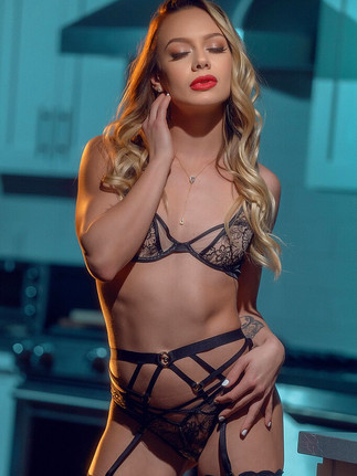 NAOMI SWANN Passion of the Month September