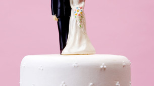 Things you should never spend money on for your wedding day