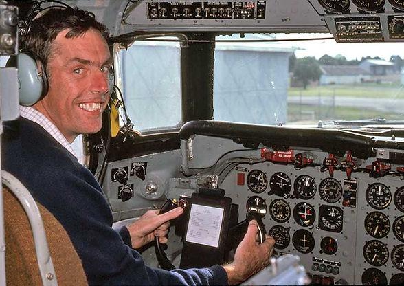 Gordon Reid 3 DC-6B-C-GKUG-GR-in-cockpit