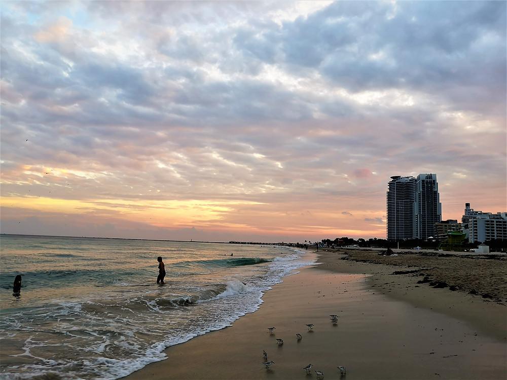 Voyage à Miami Beach en Floride coucher du soleil sur l'océan