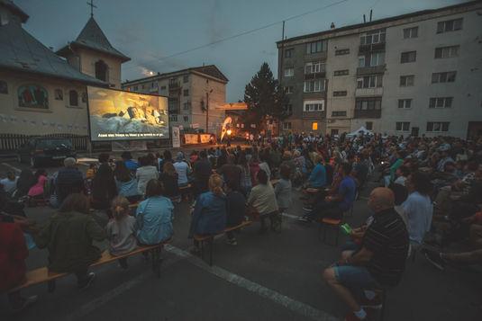 Proiecție aer liber în Cartierul Bodea